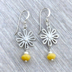 silver daisy earrings